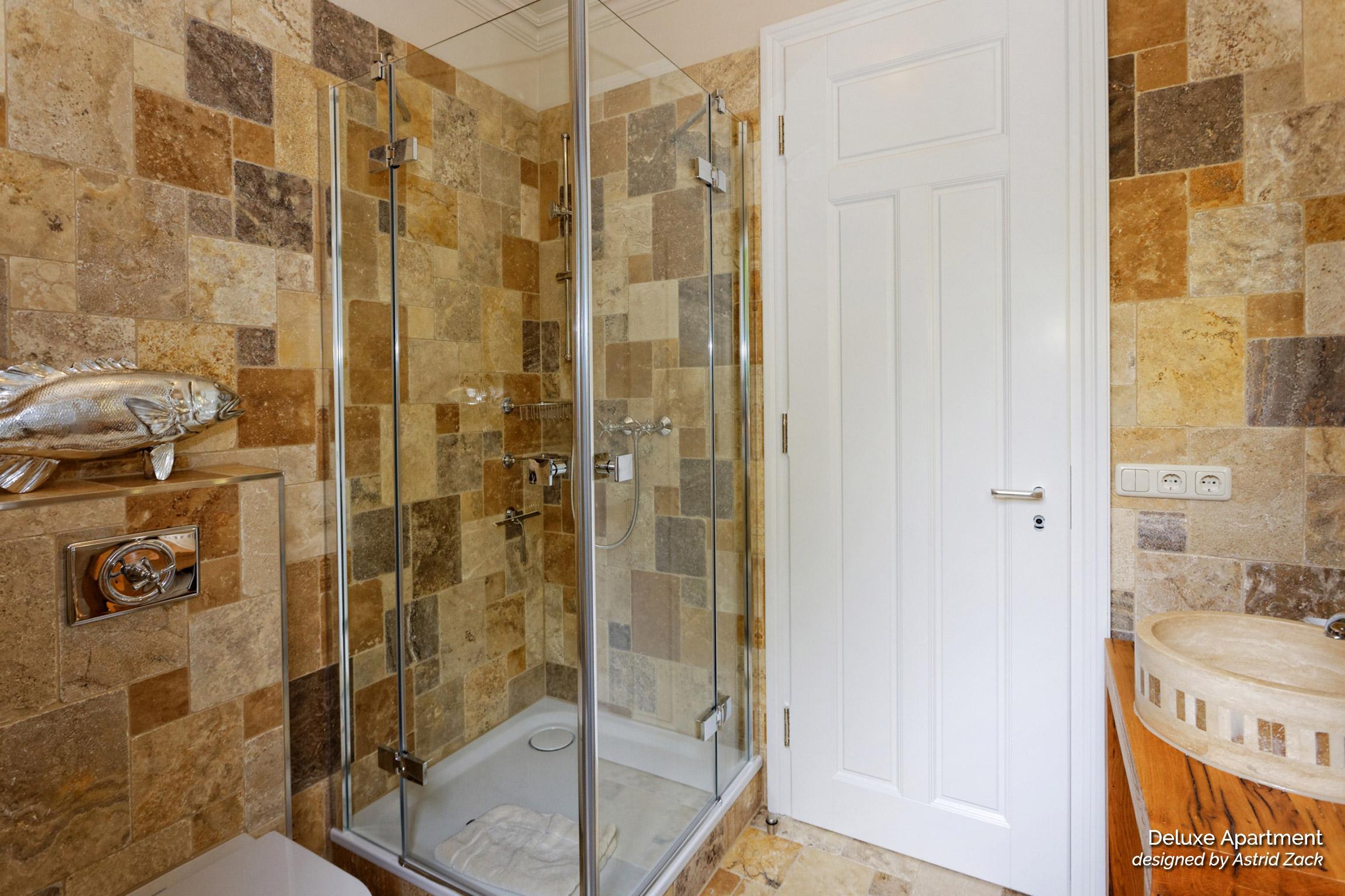 Dusche in Fewo 3
